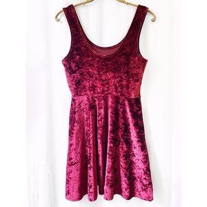 Topshop Dresses - Topshop maroon crushed velvet skater dress